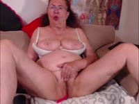 Im mature lady good looking and with the high sexy drive! I wanna to make you happy! Join to enjoy! English,Deutsch,French